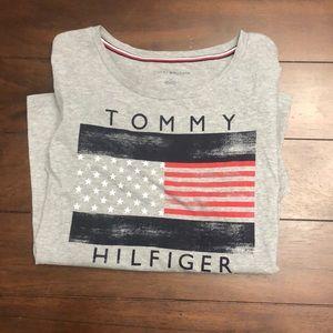 Women's Tommy Hilfiger T-shirt